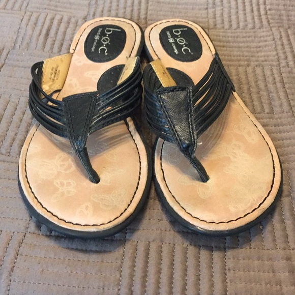 1943da46e334 b.o.c. Shoes - B.O.C Born concept black flip flops size 7